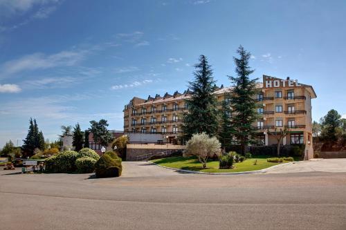 . Hotel Rey Sancho Ramírez