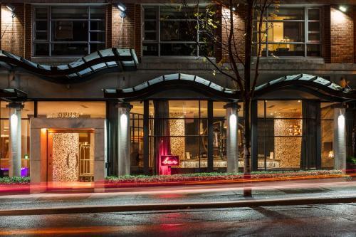 322 Davie Street, Vancouver V6B 5Z6, Canada.