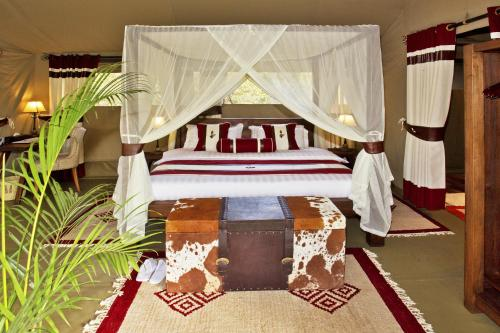 Mara Bush Camp   Private Wing
