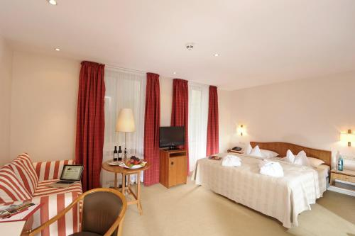 Hotel Baseler Hof photo 12