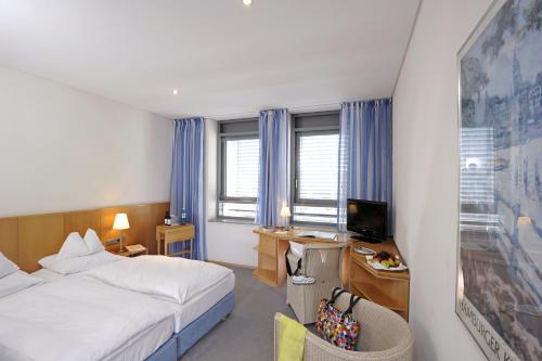 Hotel Baseler Hof photo 30