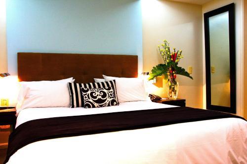 Ulises Recoleta Suites photo 9
