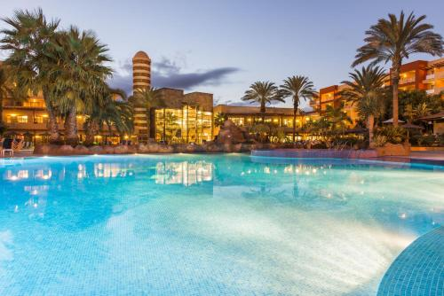 Elba Carlota Beach And Convention Resort
