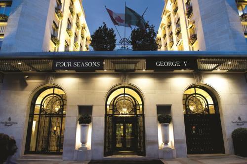 Four Seasons Hotel George V Paris photo 28