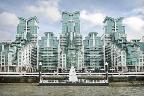 St George Wharf a London