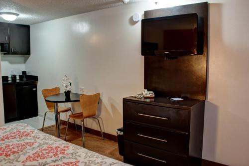 Americas Best Value Inn Heath-Newark