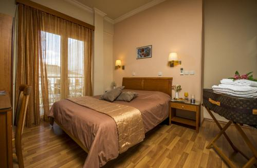 . Lakonia Hotel