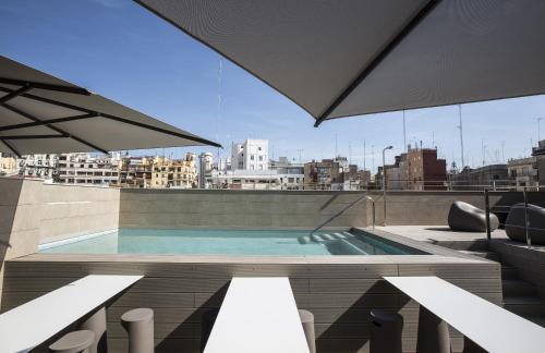 Linterna, 31, Ciutat Vella, 46001 Valencia, Spain.