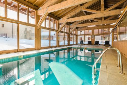 Lagrange Vacances Les Chalets Edelweiss**** - Hotel - La Plagne