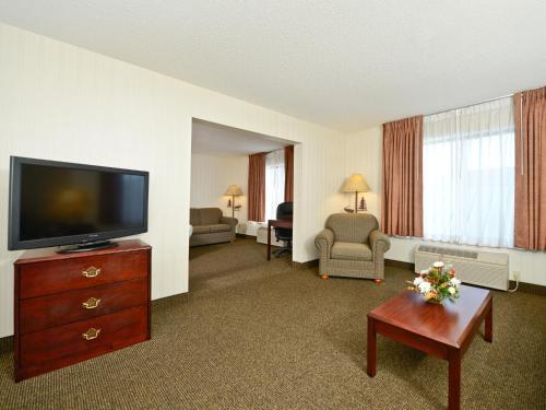 Clubhouse Inn - West Yellowstone, MT 59758