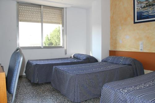 Hotel Hostal Mengual 1