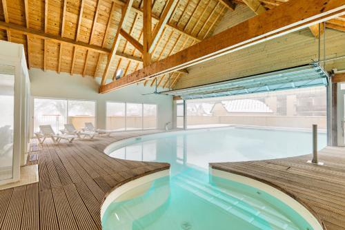 Lagrange Vacances Les Pics d'Aran*** - Hotel - Luchon - Superbagnères