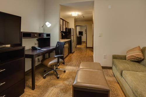Two-Bedroom Suite - Hearing Accessible/Non-Smoking