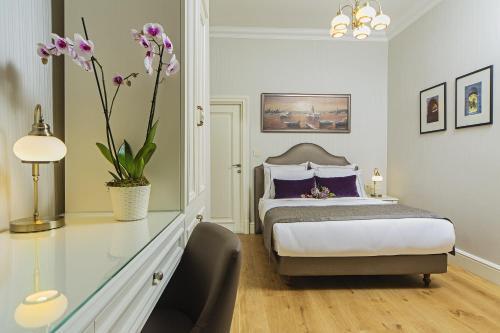 Istanbul Meroddi Galata Mansion tek gece fiyat