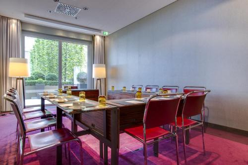 Radisson Blu Media Harbour Hotel, Düsseldorf photo 27