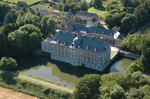 . Château de Vierset