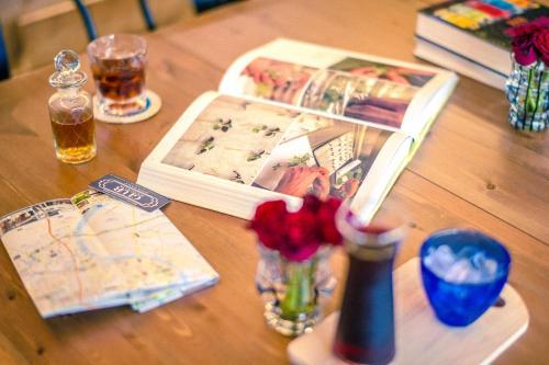 Glur Bangkok Hostel & Coffee Bar photo 178