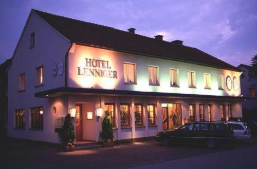 Hotel Lenniger - Büren
