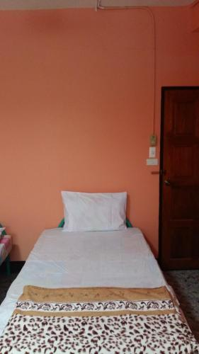New C.H. Guest House photo 5