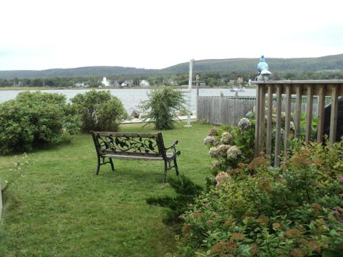 Tides And Time Vacation House - Granville Ferry, NS B0S 1A0