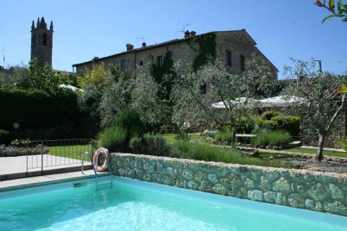 . Romantik Hotel Monteriggioni