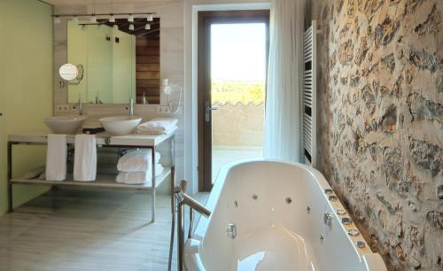 Suite Sa Cabana Hotel & Spa - Adults Only 11