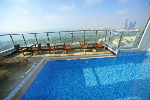 Ramada Abu Dhabi Corniche photo 10