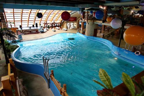 Отель Ривьера Люкс с видом на Кремль и историческую часть города (включено посещение аквапарка + кинотеатра 5D)