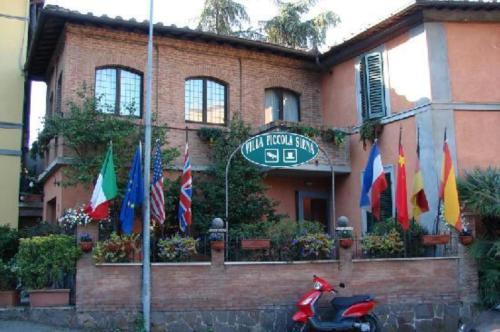 Via Petriccio Belriguardo 7, 53100 Siena, Italy.