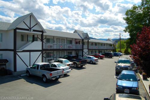 Rosedale Motel - Photo 2 of 22