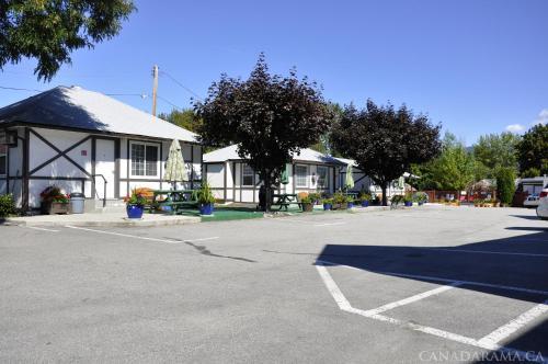 Rosedale Motel - Photo 3 of 22