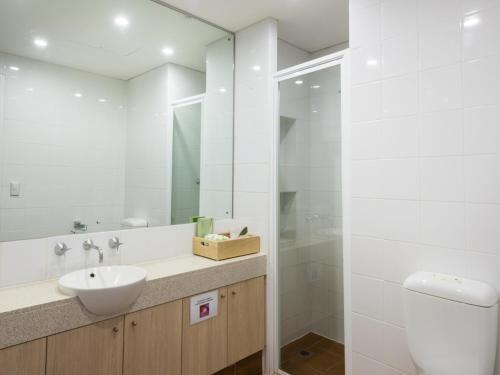Фото отеля Emu Walk Apartments
