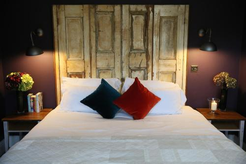 The Bunk Inn (Bed & Breakfast)