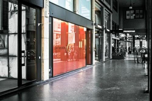 Via San Pietro All'Orto 6, Milan 20121, Italy.