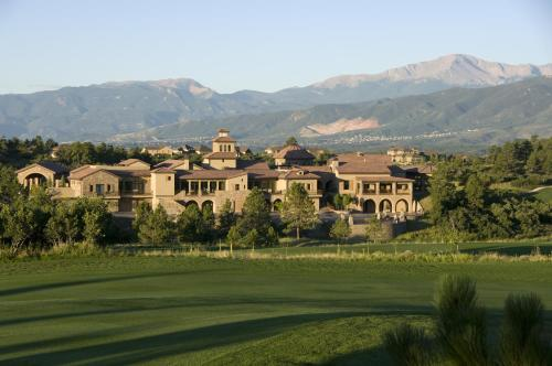 The Lodge at Flying Horse - Accommodation - Colorado Springs