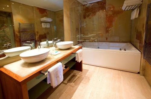 Suite Hotel Mirador de Dalt Vila 23