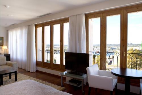 Suite Mirador de Dalt Vila-Relais & Chateaux 7