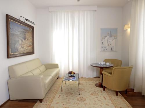 Suite Mirador de Dalt Vila-Relais & Chateaux 8