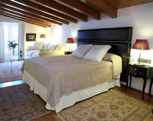 Junior Suite Mirador de Dalt Vila-Relais & Chateaux 2