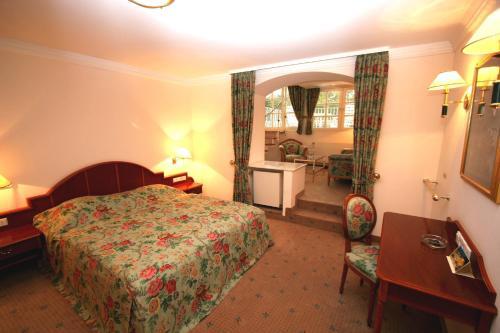 __{offers.Best_flights}__ Park Hotel am Schloss
