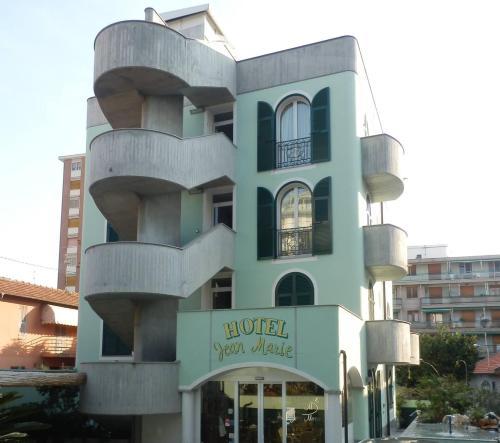 . Hotel Jean Marie