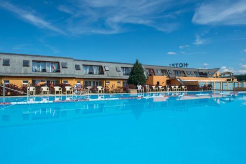 Hotel Lacotel - Avenches