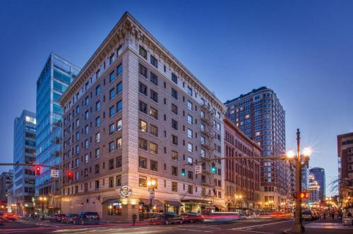 400 SW Broadway, Portland, OR 97205, United States.