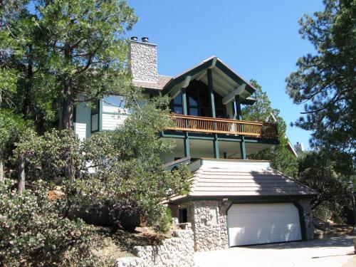 Yosemite Drive House - Lake Arrowhead, CA 92352