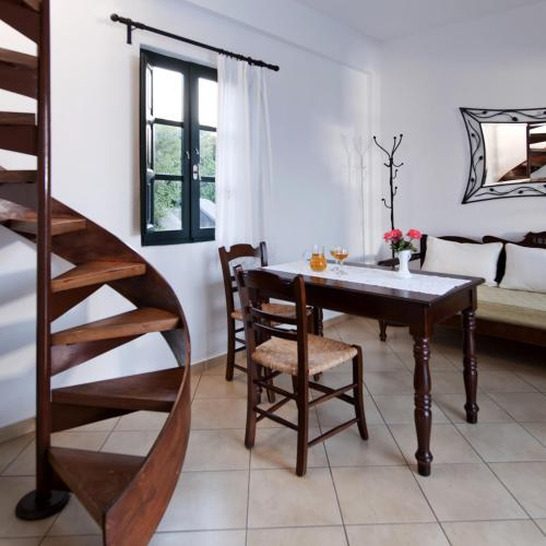 Anthonas Apartments foto della camera