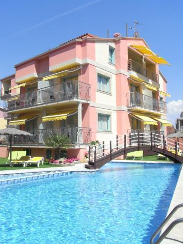 . Apartamentos El Velero