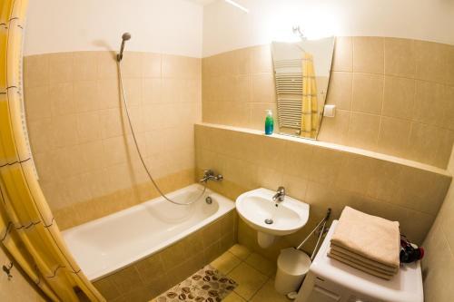 DnD Apartments Keleti Railway Station photo 22