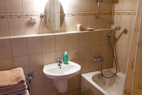 DnD Apartments Keleti Railway Station photo 34