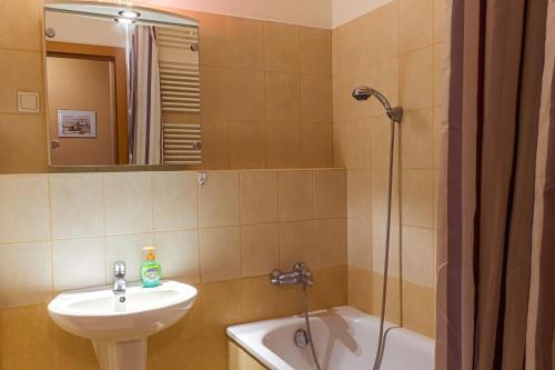 DnD Apartments Keleti Railway Station photo 44