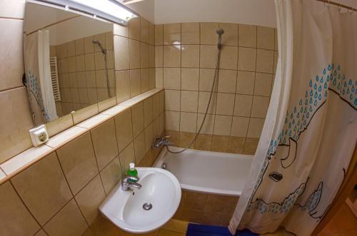 DnD Apartments Keleti Railway Station photo 52